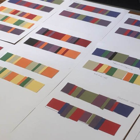 Colour triangle: exercises with coloured paper